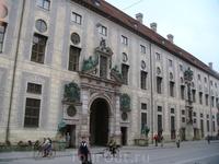 Мюнхен. Здание Hofapotneke