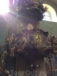 Пышность отделки храма просто поражает воображение)))