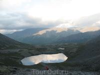 """""""Кусочек неба"""", озеро на начале подъёма на Ю.Чоргорр (со сотороны КСС)"""