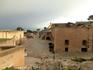 На втором уровне находятся казармы, развалины часовни Святой Барбары, Plaza de Armas (Оружейная площадь) и еще хозяйственные постройки. Я так понимаю, ...