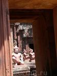 Храмы Ангкора Бантей Срей.Цитадель  женщин