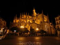 La Catedral nocturna.