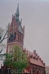 Кирха  Святого  Семейства-  здание   в  неоготическом стиле  из  кирпича,построенное   в  1907 году. Задумывалась  Кирха  Святого  Семейства,как семейный ...