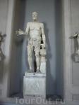 Статуя старика в музее Ватикана. Их там тысячи и все прекрасны.