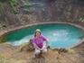 Теперь в его кратере озерцо бирюзового цвета