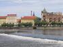 Вид на Влтаву и город с левого берега