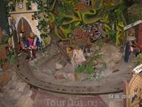 Карлштейн. Музей Бетлемов (вертепов), театр вертепов. Я был единственным посетителем этого музея, для меня (за 40 крон) включали все движущиеся экспозиции. Там еще привидение было...