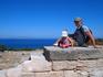 Внизу = дрений город Камирос (точнее его развалины) и бирюзовое Эгейское море