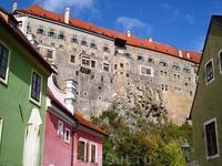 Неприступные стены замка