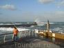 Рыбаки на набережной