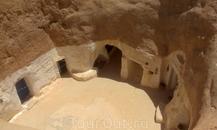 в мягкой песчаной почве придумали рыть себе жилища-норы, подобно пустынным обитателям.