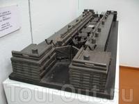 Макет шлюза №1 Мариинского канала. 1810 г. Длина 35м, ширина 8,8м, подъем воды 1,4м.