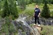 Анатолий :) тоже фотографировался на самых опасных участках скал...