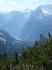 В самой середине Альпийского национального парка БЕРХТЕСГАДЕНа в огромной долине,окруженной отвесными ,красочными скалами и утесами,раскинулось изумрудно ...