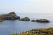 Выпала отличная возможность подняться на вершину скалы, где находится знаменитый Акрополь и полюбоваться прекрасными пейзажами города Линдос.