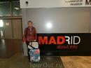 Барахас - аэропорт Мадрида оказался большим, современным, с понятными указателями и траволаторами. Из аэропорта мы попали прямо в метро, на нем и поехали ...