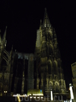Кельнский собор величественен и ночью