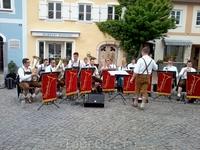 Фюссен. Оркестр на площади