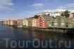 Знаменитый район деревянных домиков на набережной реки Нидельва в Трондхейме. Губерния Трёнделаг.  Foto: Terje Rakke/Nordic life/Innovation Norway