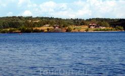 Турбаза на мысе озера (километр от села)