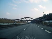 Деревянный мост над шоссе Тампере-Хельсинки