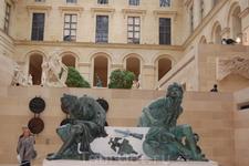 Двор Марли (Лувр)