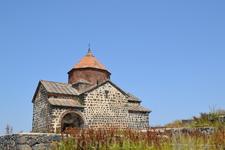 Свои стены монастырь утратил в XVI-XVII вв. В 1930г. последний монах покинул остров и обитель надолго прекратила свое существование. В настоящее время ...