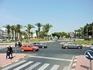 Перекресток в Агадире. Дороги здесь хорошие, да и движение не очень сильно, хотя пробки все же бывают