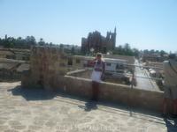 Вид на город с крепостных стен вдоль моря