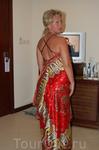 шелковое платье (прикупила там)