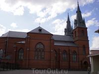 Кафедральный собор Сердца Иисусова Первый деревянный костел Святого Сердца Господня и Иисуса Христа на данном месте был построен в 1685 году на средства ...