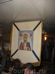 Икона Николая Угодника расположена рядом со входом в холл.