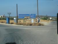 """""""Поворот к монастырю """"Хрисоскалитис"""",где находится чудотворная икона.Автобус повернул на пляж .Элафониси"""