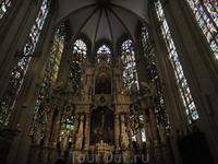 Знаменитый собор Эрфуртский собор. Было очень много народа, но это не помешало увидеть,какая прекрасная готическая  архитектура.