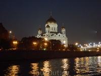 Вид с реки на храм Христа Спасителя