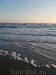 Адриатическое море очень соленое.