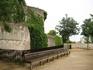 И снова зелень и старинные стены