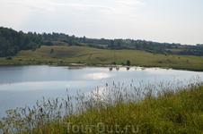 Псковская область, Изборск, Городищенское озеро в Мальской долине.