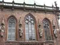 Часть фасада ратуши