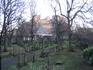 старинное кладбище возле Замка