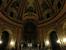 А вот внутри довольно темно и снимать там, в принципе запрещено (запрещающий знак я увидела уже на выходе).  Он огромен, в нем по кругу установлены мраморные статуи 12 апостолов, своды капелл и стены
