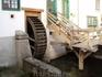 Деревянная водяная мельница