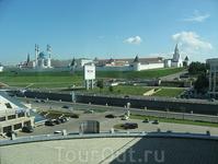 Вид из отеля на Кремль