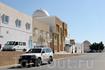Эта улица рядом с главной Мечетью Кайруана, в этом здании продают сувениры и ковры, а ещё можно подняться на крышу и осмотреть окрестности...