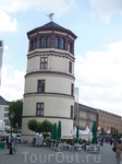 Музей истории пароходства. Изначально это был дюссельдорфский замок,которому катастрофически не везло в 1492,1510,1795,1872 годах он горел и был почти ...