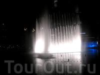 Вечернее шоу фонтанов, Dubai Downtown
