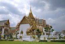 в Королевском дворце. Храм Эмеральд будда