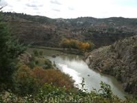 Толедо. Парк возле дома-музея Эль Греко. Вид со смотровой площадки на реку Тахо