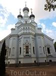 Владимирский собор расположен рядом с Гостиным двором