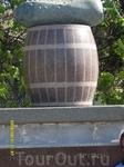 Памятник знаменитому Нежинскому огурчику.